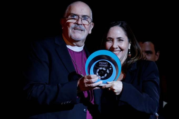 Cenesex - Rev. Troy Perry, Founder of LGBTQ Denomination, is First American to Receive  Cuba's CENESEX Award